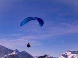 paragliding-4013126_1920